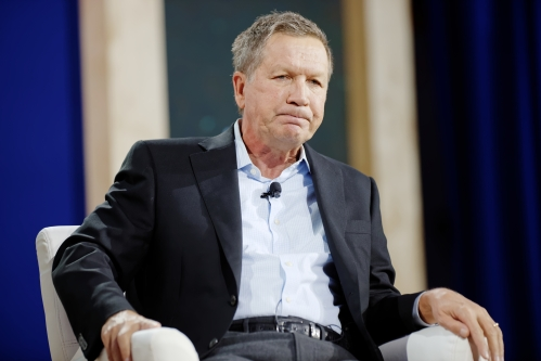 Governor_of_Ohio_John_Kasich_at_New_Hampshire_Education_Summit_The_Seventy-Four_August_19th,_2015_by_Michael_Vadon_04